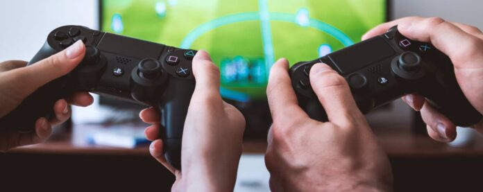 games-console-handsets.x04cf9693